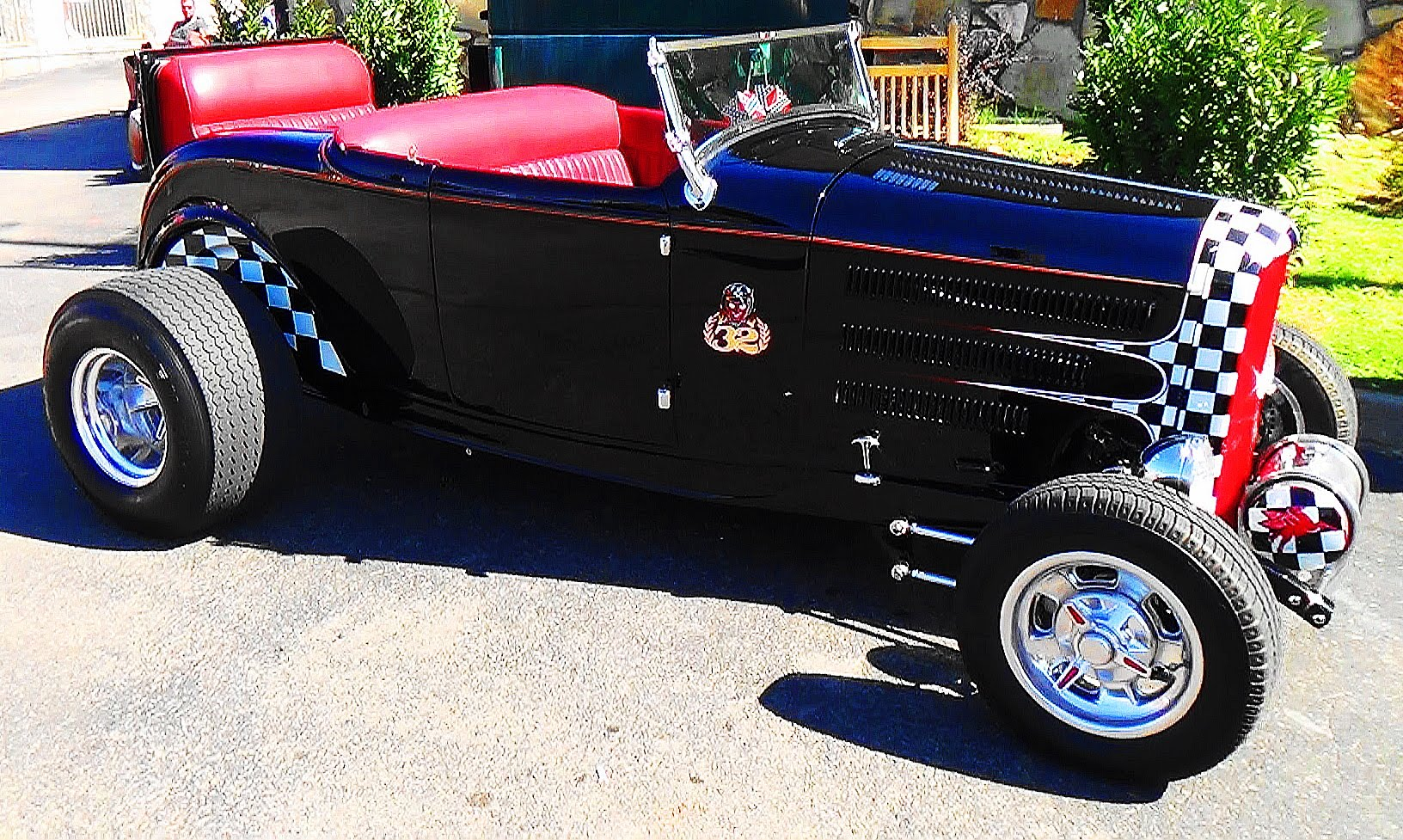 32 Ford Storage Wars Barry Weiss Edition Pigeon Forge Rod