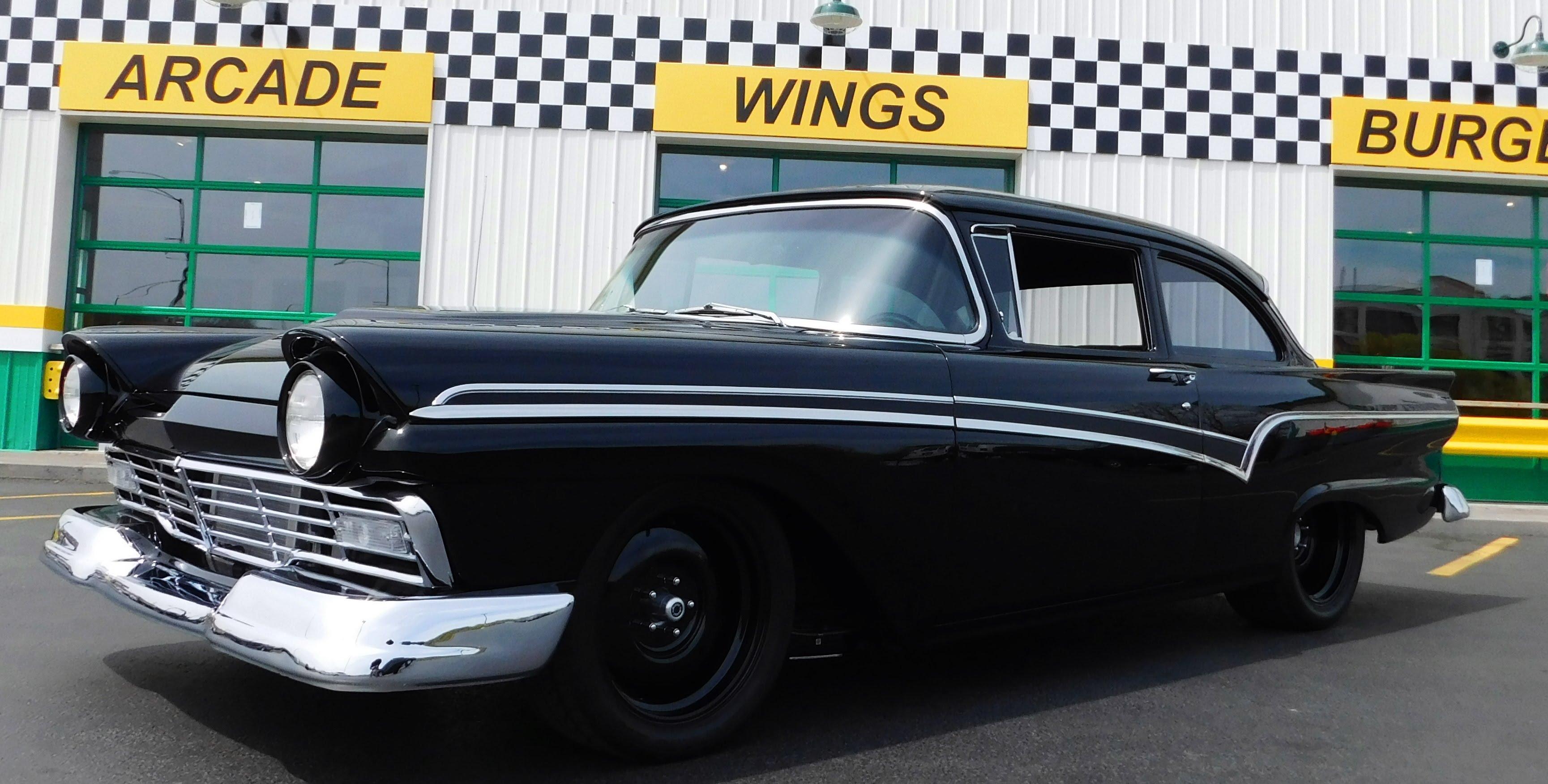 1957 Ford Custom 300 Muscle Machine \